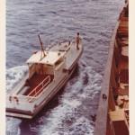 Madagaskar. Das Lotsenboot kommt.  (C) f.s.