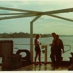 Timmi, Werner und Schorschi auf dem Achterdeck. Abschied von Brasilien. (Paul Schröder 1972)