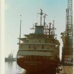"""Die Schauenburg, hier in Frankreich 1973, ein neues Schiff, gerade erst in Polen gebaut, geht für die Firma """"Delmas"""" in Charter: Westafrika. Reederei H. Schuldt, Hamburg."""