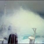 """""""Stolt Surf"""" 1977 North Pazifik. Nun nimmt der Sturm allmählich Formen an. Alle Bullaugen sind bereits seit einiger Zeit mit den Panzerblenden gesichert. (C) Karsten Petersen."""