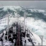 """""""Stolt Surf"""" 1977 im North Pazifik in einem Super Sturmtief mit Wellen bis zu 22 Metern Höhe. (C) Karsten Petersen."""
