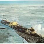 """Esso Tanker """"MANHATTAN"""", 1974, Eisfahrt. Hier einmal etwas gefrorenes Wasser! (C) Guenter Wilhelm"""